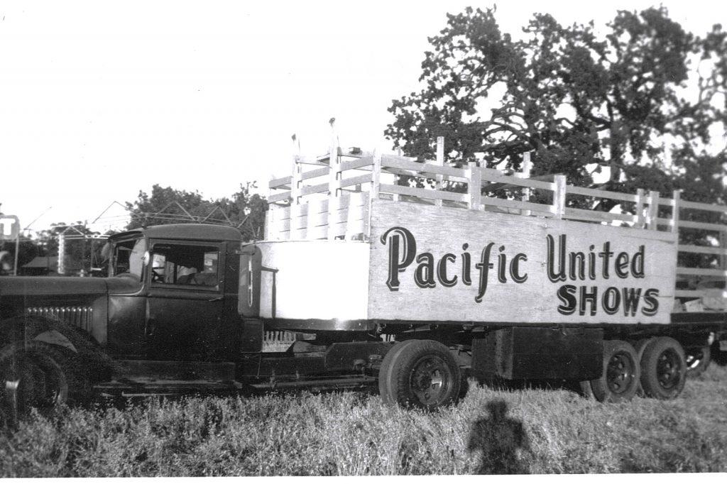 """alt=""""carnival trucks"""""""