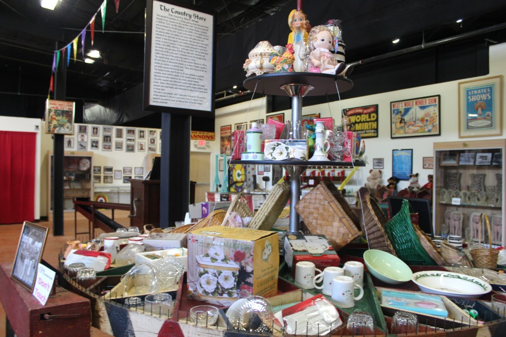 """alt=""""The Country Store Wheel"""""""