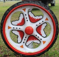 Sunburst Cast Iron Wagon Wheel